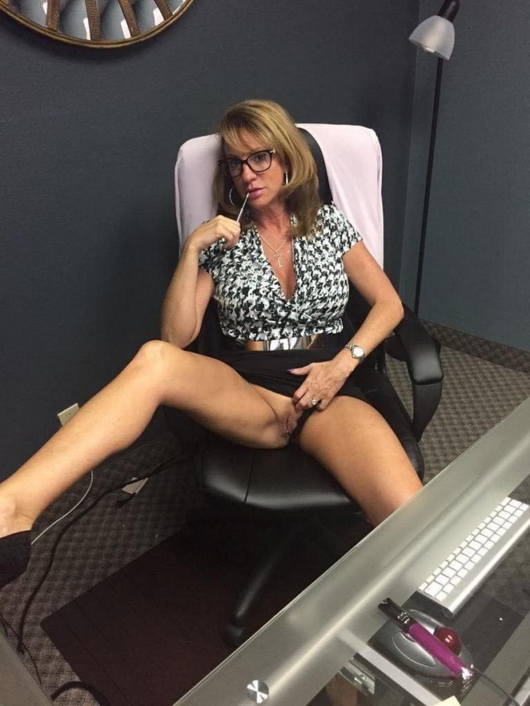 seks u kancelariji